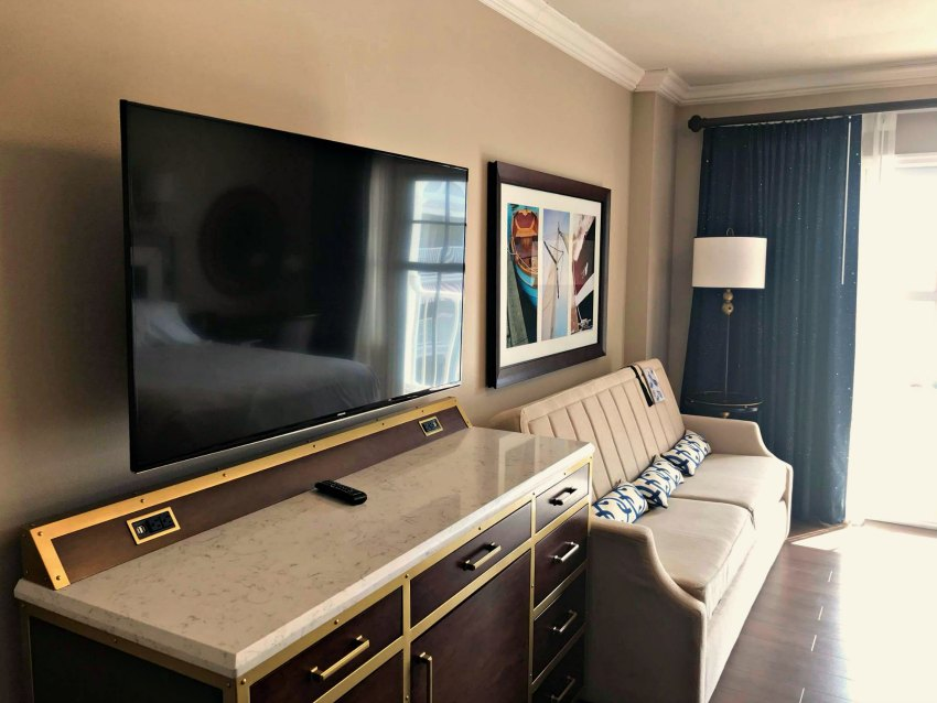 Disney Yacht Club New Room 2018 Couch and TV