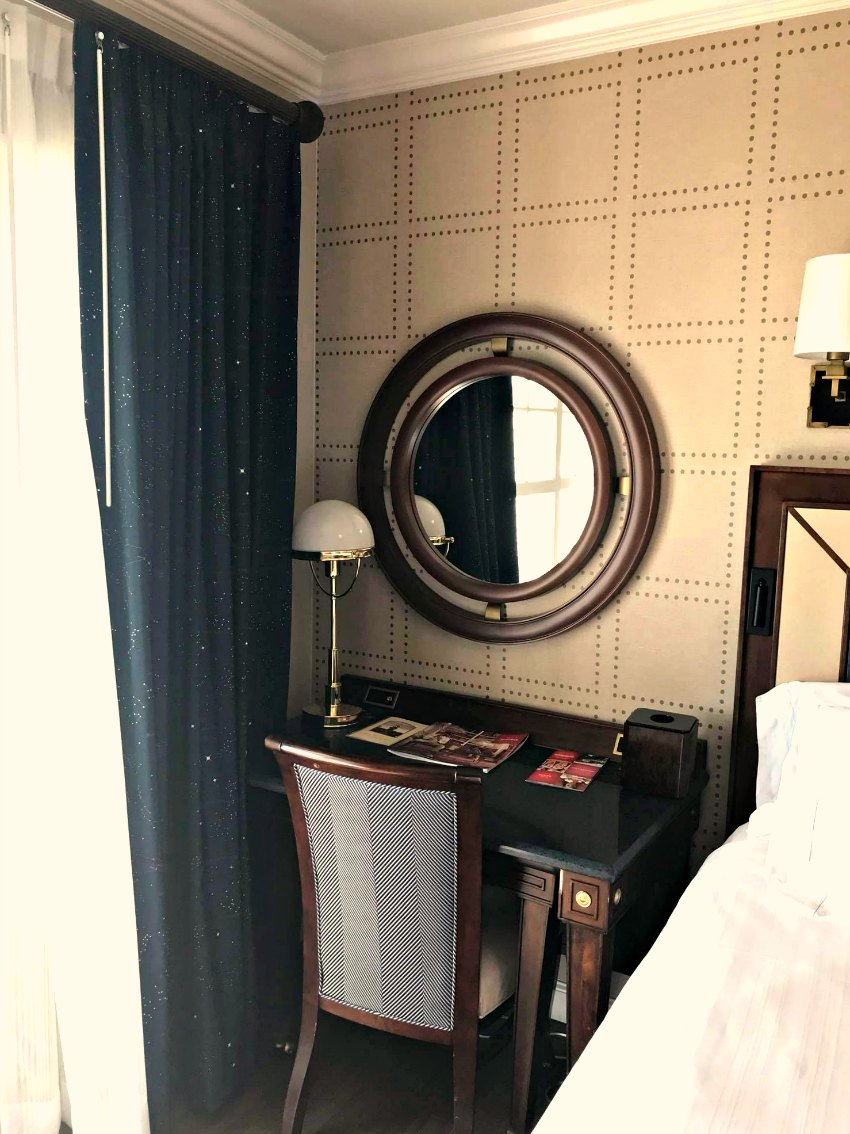Disney Yacht Club New Rooms 2018 Desk