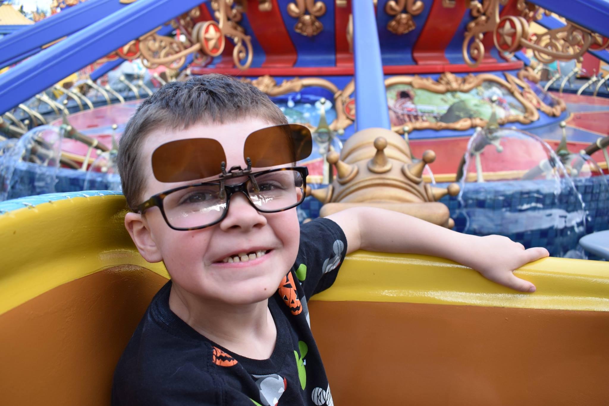 clip on sunglasses for disney world