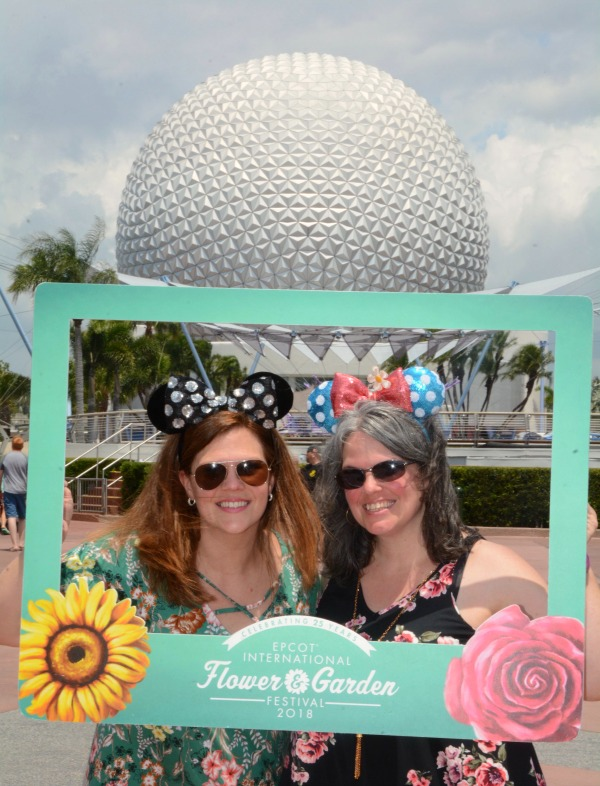 What to wear to disney world Epcot International Flower and Garden Festival Sisters