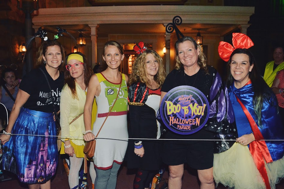 MNSSHP with friends in Disney Halloween costumes Parade