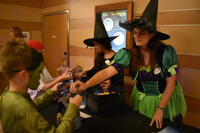 trick or treating disney halloween cruise