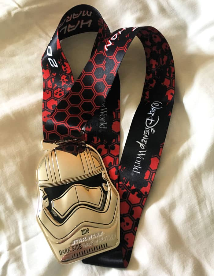 rundisney dark side half medal