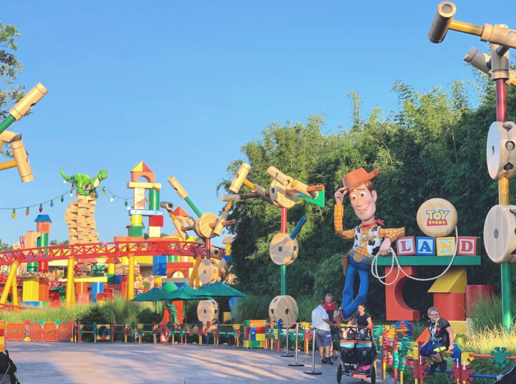 Early Morning Magic at Toy Story Land (1)
